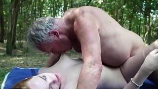 Седой Старик Устраивает Жёсткое Порно С Молоденькой Длинноволосой Девчонкой Смотреть